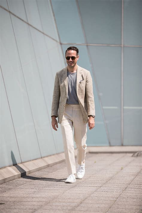 A Few Rules For Wearing A T-Shirt With A Blazer - He Spoke