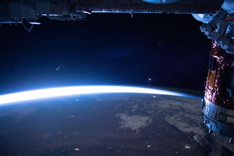 APOD: 2020 July 10 - Comet NEOWISE from the ISS