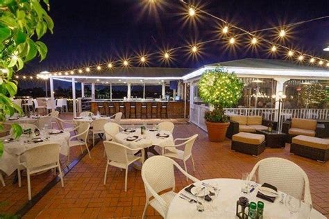Bayside Seafood Grill and Bar - Best Nightlife in Naples