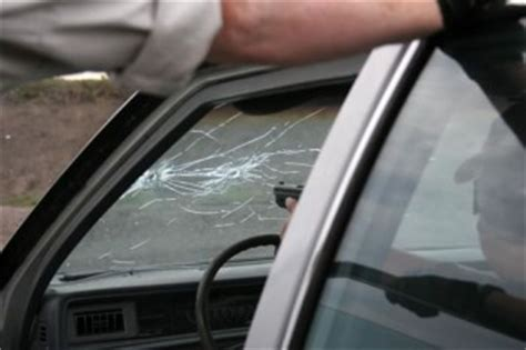 What To Do When Your Car Windscreen Shatters?