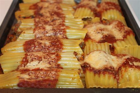 Stuffed Ground Beef Manicotti Recipe - Cooking with Thas