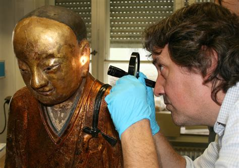 A CT scan revealed the Buddhist monk inside this 1000-year