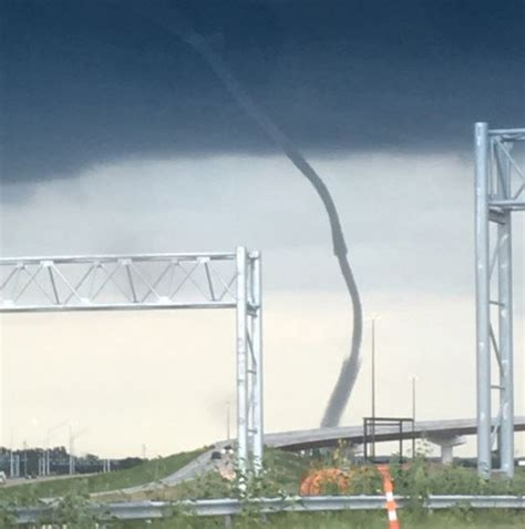 Rare waterspout near downtown Omaha causes big stir, no