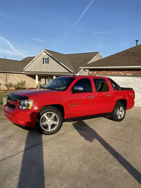 2010 Chevy Avalanche Texas Edition for Sale in Roebuck, SC