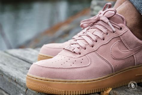 Nike Air Force 1 '07 LV8 Suede Particle Pink - AA1117-600